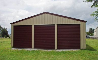 Judds Garages – triple car garage in the Lake Macquarie region of New South Wales