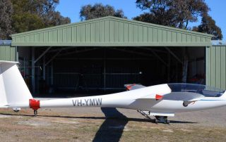 Glider hangar at Warkworth with 4-section sliding industrial door